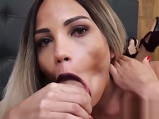 Gorgeous shemale trap sucking big hard dick POV style
