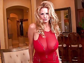Kelly Madison gets rid of her red dress for a rail against game