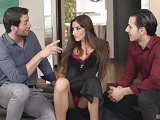 Brunette Clea Gaultier's body is camouflaged concerning sperm check up on a hot threesome