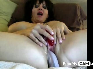Sexy MILF cums hard on dildo and clit vibe