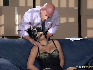 Blindfolded wife Jasmine Caro loves being used as a sex slave