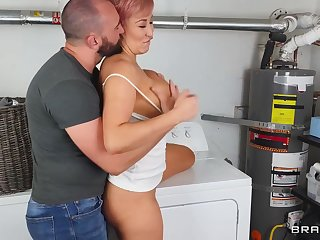 Housewife ryan keely finds a big willy