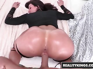 RealityKings - Monster Forms - Eagerness At Very First Glance