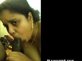 Desi girl giving superb blowjob