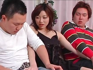 Amateur lovemaking on the bed between 2 guys and Akari Hoshino