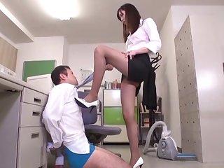 Kinky secretary Hibiki Ohtsuki pleasures a dick with her feet