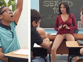 Sumptuous professor shag college girl with BIG BLACK COCK in the class